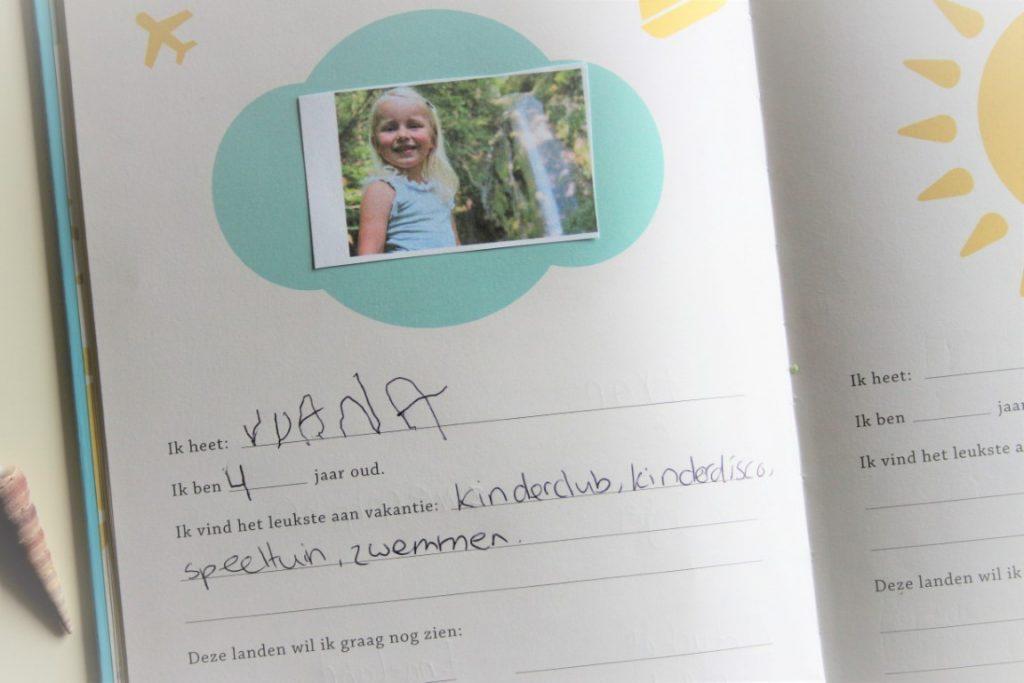recensie-familievakantiedagboek-elma-van-vliet
