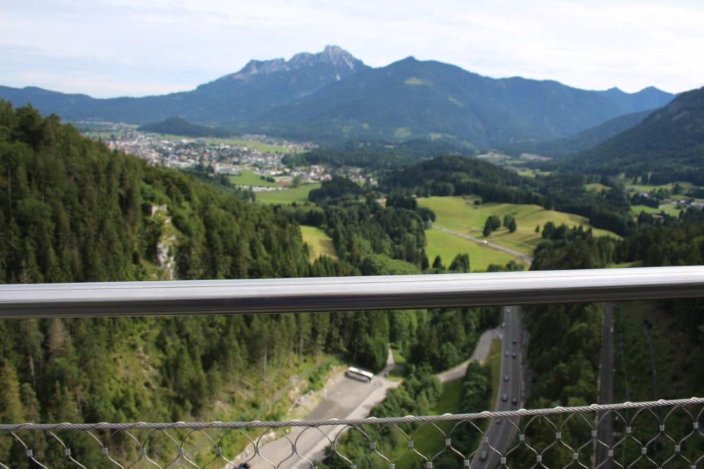 Highline 179 Hangbrug Oostenrijk boven de snelweg
