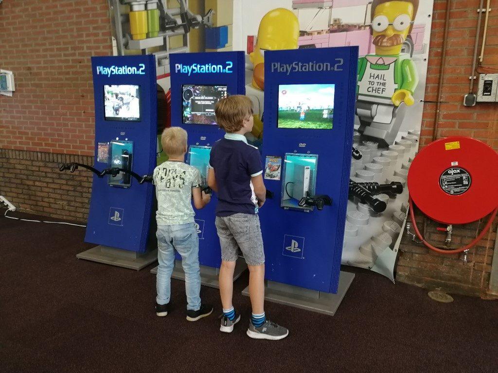 LEGIOmuseum met kinderen - Lego spellen playstation 2