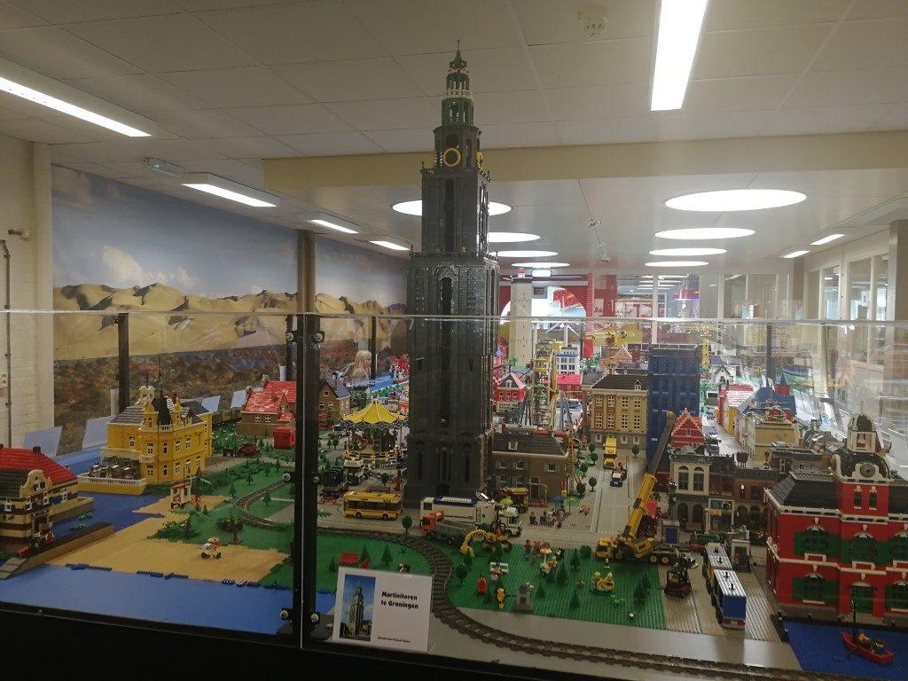 Minatuurparken in Nederland - Martinitoren van LEGO - LEGIOmuseum Groningen - Uitjes met kinderen