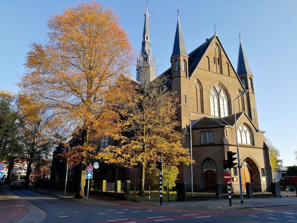 Onze Lieve Vrouwenkerk Hilversum - Media Mile wandelroute