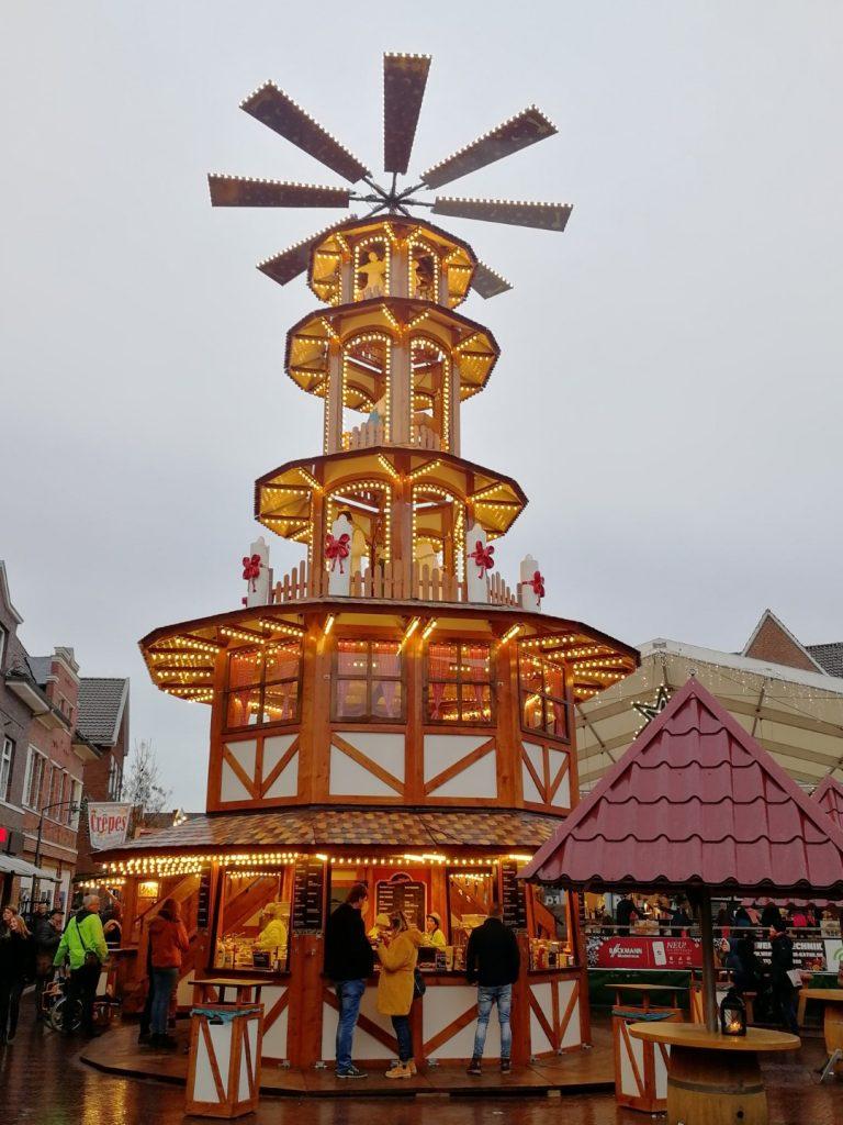 Kerstmarkt Meppen Molen Pyramide