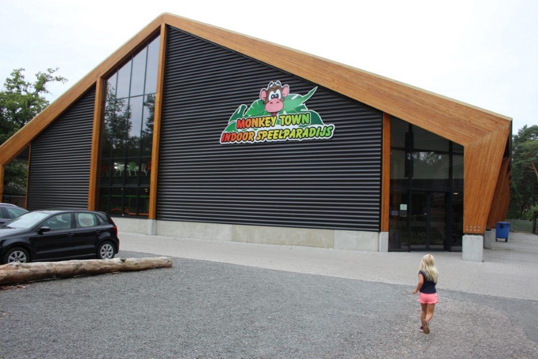 Monkey Town Hardenberg Indoorspeeltuin Overijssel Vechtdal Review